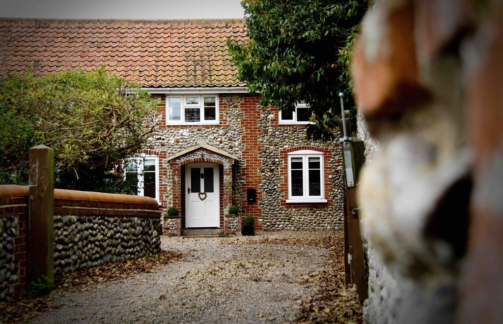 Luxury 4 Bedroom North Norfolk Cottage In L Homeaway