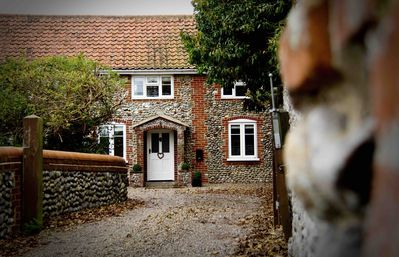 Photo for Luxury 4 bedroom North Norfolk cottage in lovely coastal village location