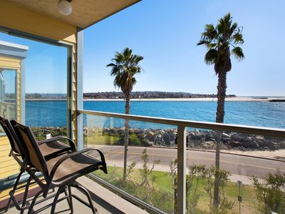 Photo for Gorgeous TOP Floor Penthouse with Ocean Breeze & Sunset Views! Steps to the Sand!