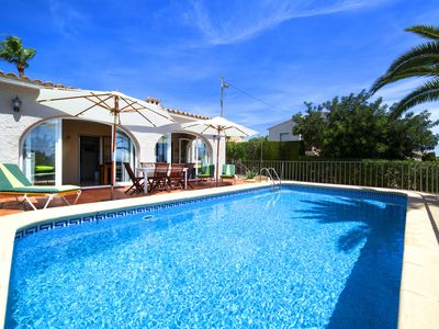 Photo for This 3-bedroom villa for up to 6 guests is located in Calpe and has a private swimming pool and air-
