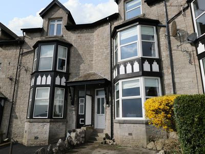 Photo for THE LOOKOUT, pet friendly in Grange-Over-Sands, Ref 996229