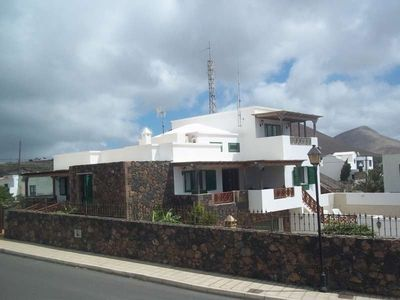 Photo for House 1.3 km from the center of Tías with Internet, Pool, Garden, Balcony (970080)
