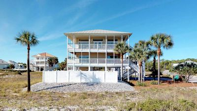 """Photo for Ready After Hurricane Michael! FREE BEACH GEAR! Pets OK, Pool, Hot Tub, Free Wi-Fi, 4BR/4.5BA """"Dream Chaser"""""""