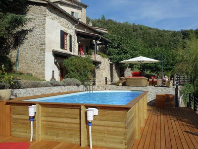 Photo for Beautiful holiday home with swimming pool, lovely terrace and view over valley