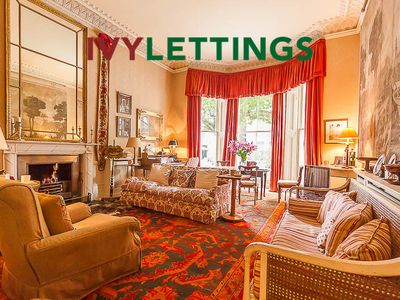 Photo for Holland Park (IVY LETTINGS). Fully managed, free wifi, discounts available