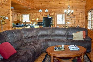 Stupendous Mountain Views Spacious Secluded 3 Bed 3 Bath Cabin Game Room Fire Pit Pets Ok Blue Ridge Beatyapartments Chair Design Images Beatyapartmentscom