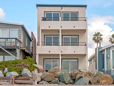 Ocean front 2 bed, 2 bath on the 2nd floor