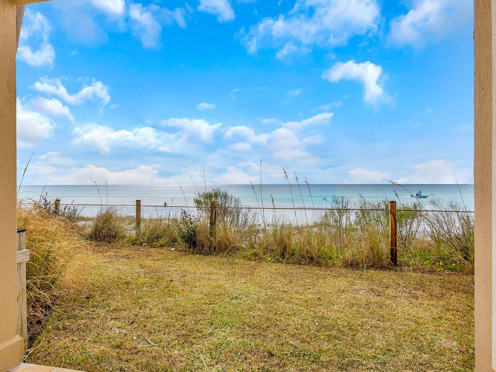 Beach Front Condo with gorgeous Gulf Views!  Sleeps 6 large image 22