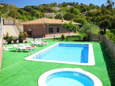 Photo for 3 bedroom Villa, sleeps 7 in Lloret de Mar with Pool and WiFi