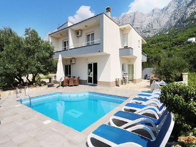 Photo for Villa-pool and terrace with a sea view,bbq,parking
