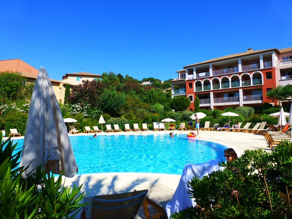 Apartment r sidence pierre vacances les c vrbo - Residence de vacances kirchhoff washer ...