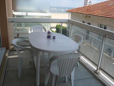 Photo for Superb and bright apartment Direct access to Beach View Basin