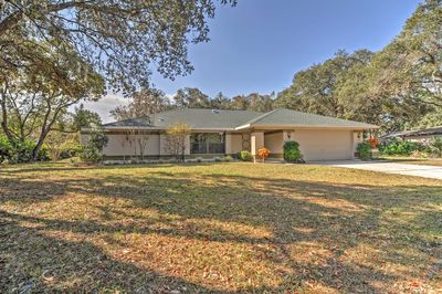 Book this sunny Spring Hill vacation rental house for memories that last a lifetime!