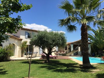 Photo for Charming architect's bastide between Montpellier and the sea