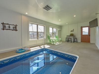 Photo for Private Indoor Pool, Mini Golf, 2 Arcade Games,Pool table, outdoor pool, Pigeon Forge