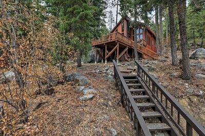 Come visit this 1-bed, 1.5-bath vacation rental in Truckee!