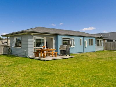 Photo for True Blue Bach - Whitianga Holiday Home
