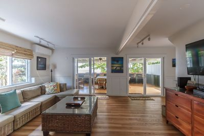 Central a/c in your living room that opens to Lanai. Lots of seating in and out