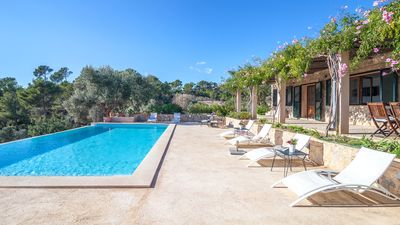 Photo for Spectacular Villa with magnificent views of the sea and the mountains