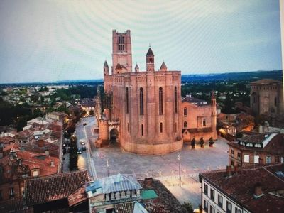 Photo for character apartment 2 bedrooms, 4 pers historical center at the foot of the cathedral