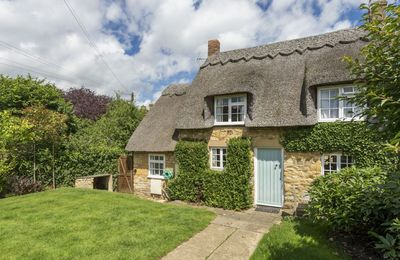 Photo for Harrowby End is a cosy Grade 2 listed, Cotswold stone, thatched cottage.