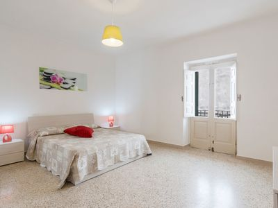 Photo for In the heart of the old town - Apartment Porta Alfonsina