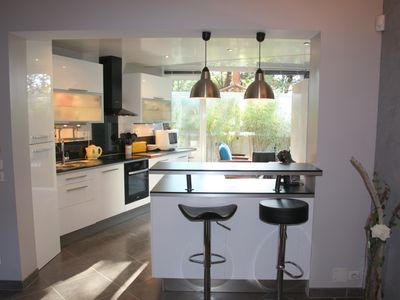 Photo for Marguerite: beautiful apartement for 4 people, garden, swimming pool, parking, West of Nice