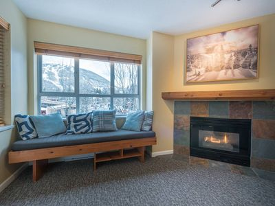 Photo for ❄️Family Paradise! - Free Parking, Hot Tub & View