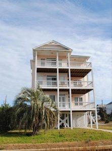 Photo for Beautiful 6 BR/4 BA, Waterfront Condo with Elevator!