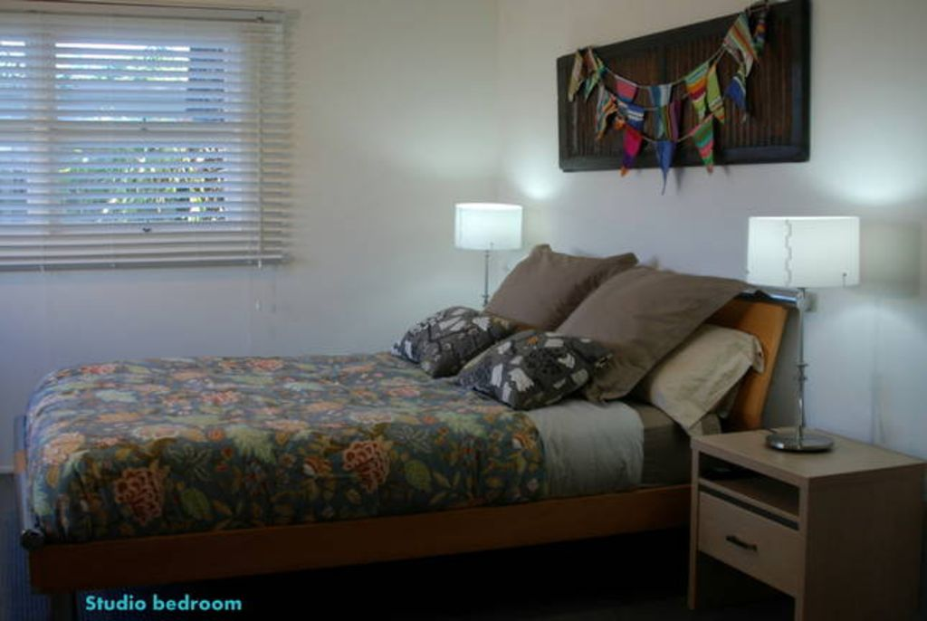 BEP`S BEACH HOUSE - SANDON POINT,BULLI BEACHFRONT