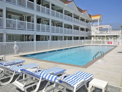Photo for Avalon fun & sun with pool, beach block and the best beach side bars