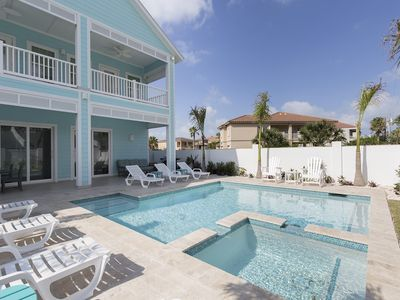 Brand New! Private pool and hot tub! 1/2 block from beach!