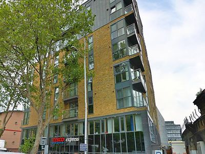 Photo for Apartment Boulevard in London South Bank - 2 persons, 1 bedrooms