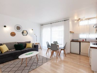 Photo for (002) Studio 100 meters from the beach with AC + Parking