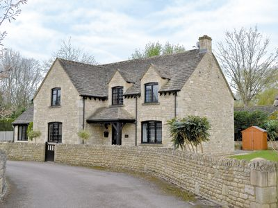 Photo for 5 bedroom accommodation in Bourton-on-the-Water