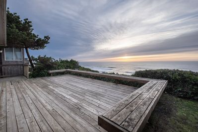 Sunsets galore! Deck with built in benches