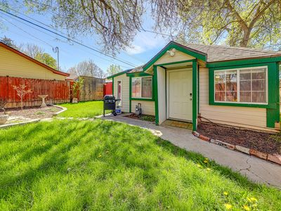 Photo for Adorable cottage - walk to downtown/BSU, perfect for a couple!