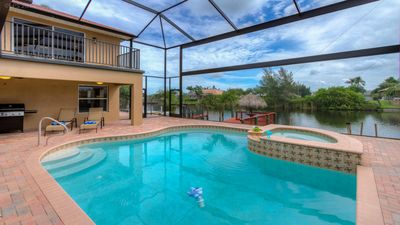 5 bed/3 bath Waterfront Luxury Home