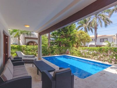 Photo for Private & Quaint Villa Iguana Steps to the Beach