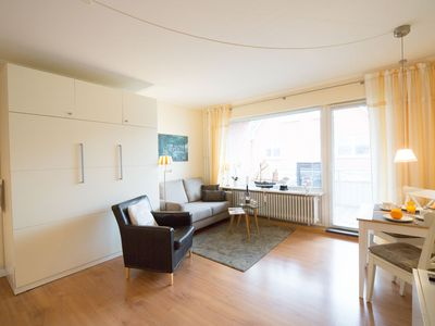 Photo for Spacious 3 *** 1-Raumappartm. with a lot of comfort, gr. South balcony, wifi