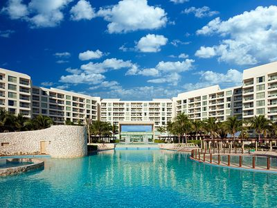Photo for Glorious Cancun Beach & Resort New Year's Eve / Week 2019-2020!
