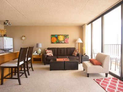 Photo for Honolulu Condo facing Waikiki Beach