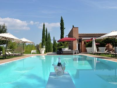 Photo for Beautiful house on a small holiday park with large swimming pool near Pisa