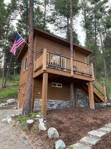 Photo for 5 Star Luxury Tree House Cottage Queen Bed Full Bath Kitchenette WiFi Privacy