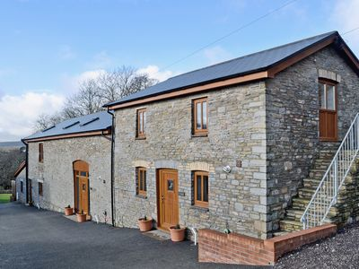 Photo for 2 bedroom accommodation in Rhos, near Pontardawe