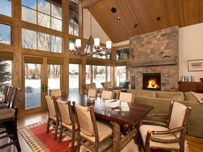 Luxury of Golf & Tennis, mere minutes from downtown