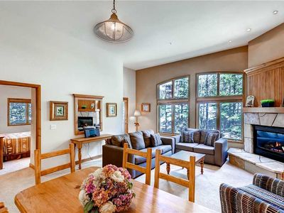Photo for Spacious condo with gas fireplace, bright living space, mountain views