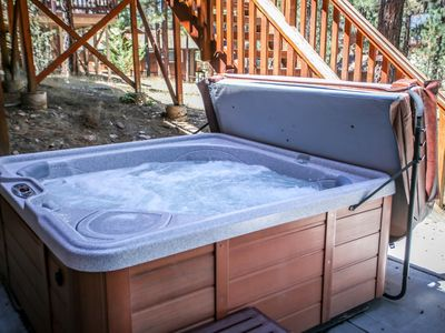 5 STAR!  Private Hot Tub. Game Room Close SLOPES,  LAKE, VILLAGE