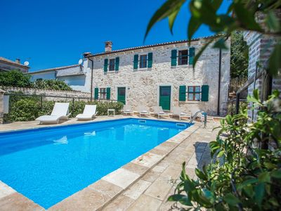 Photo for Authentic holiday home with private pool and outdoor kitchen, Vrsar and beach 6 km