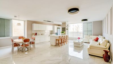 Photo for Beautiful apartment 3 'from the beach and Kikar